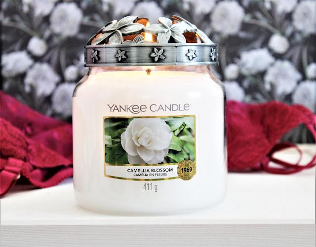 Camélia en Fleurs Yankee Candle avis, camellia blossom yankee candle avis, camellia blossom candle, avis yankee candle, yankee candle camélia en fleurs, avis bougie yankee candle, yankee candle garden hideaway, bougie parfumée au camelia