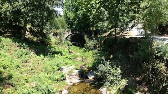 Ponte Medieval sobre a Ribeira de Moimenta
