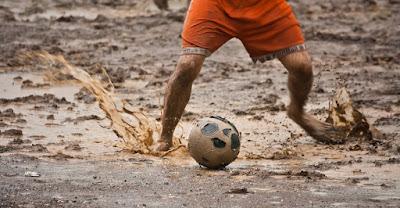 sepakbola masa kecil