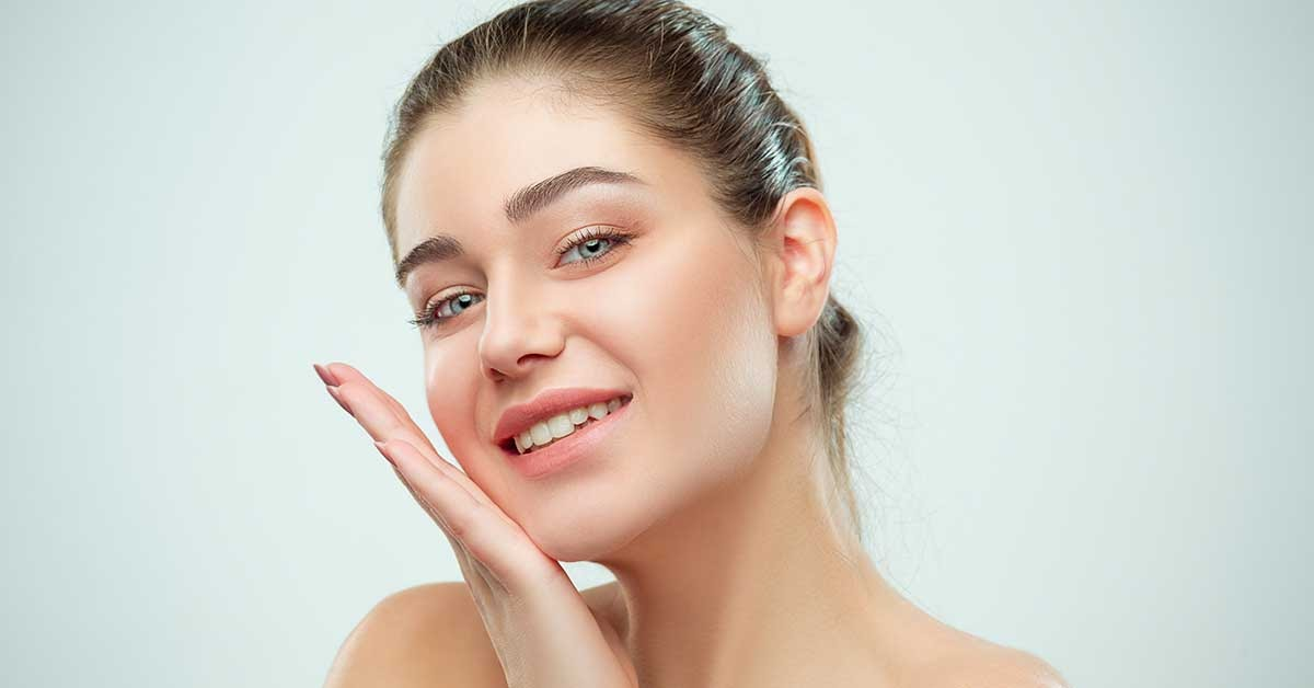 8 Tips To Keep Your Skin Radiant Amidst Pandemic