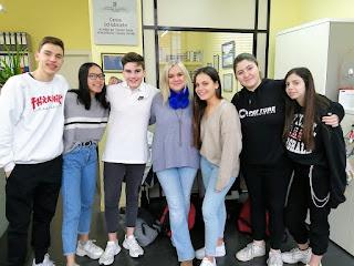 Usuàries i alumnes a l'Aviparc