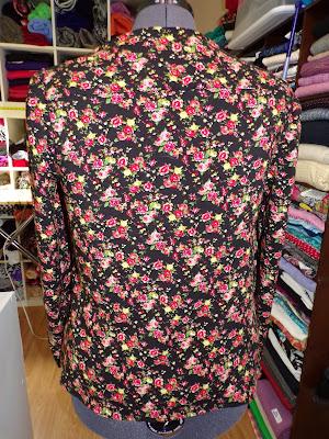 McCall 7193 Black Floral Challis Top www.sewplus.blogspot.com