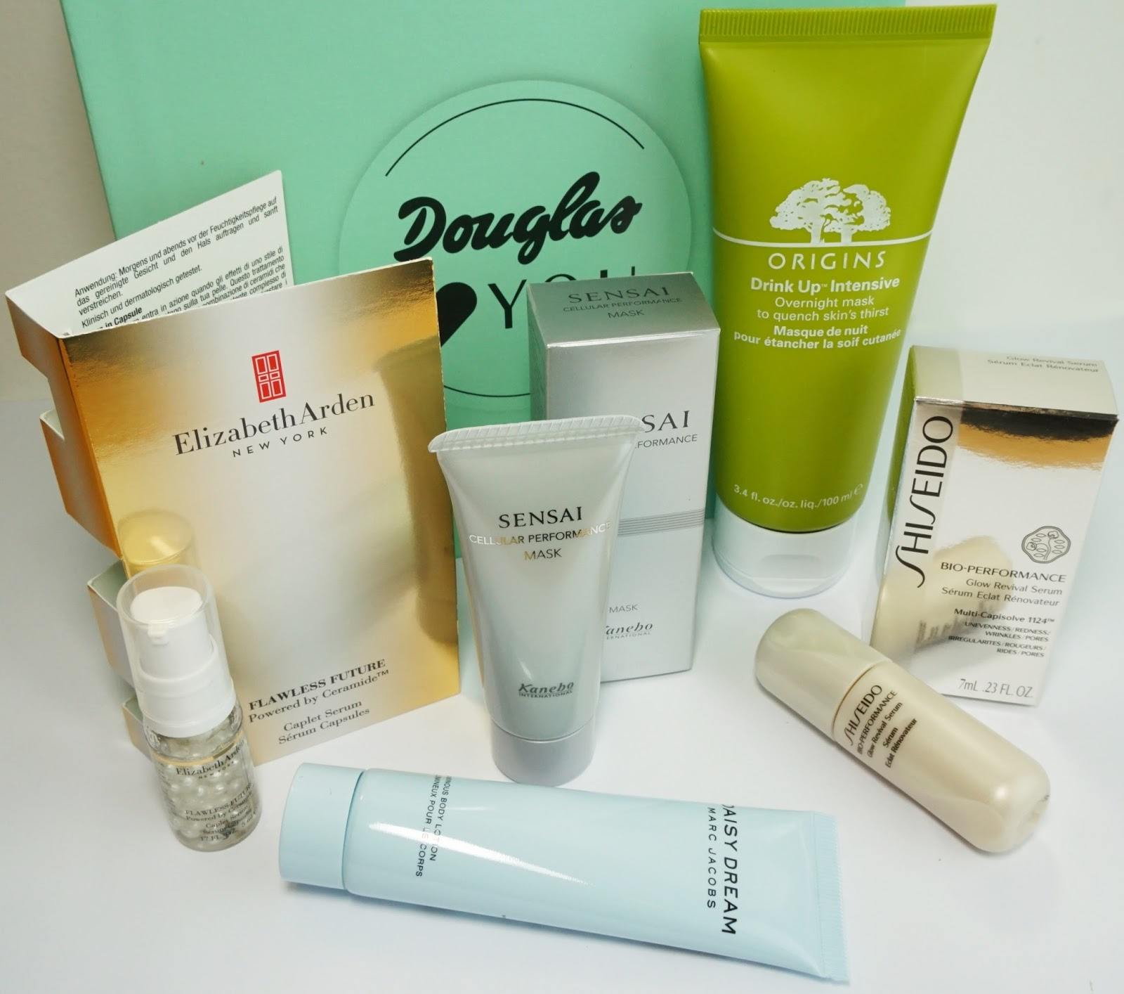 Douglas - Box of Beauty (Feburar 2015 - Österreich-Edition) Origins, Elisabeth Arden, Marc Jacobs, Shiseido, Pretty Clover Beautyblog