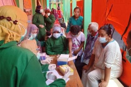 Pengungsi longsor Nganjuk mulai mengeluh sakit