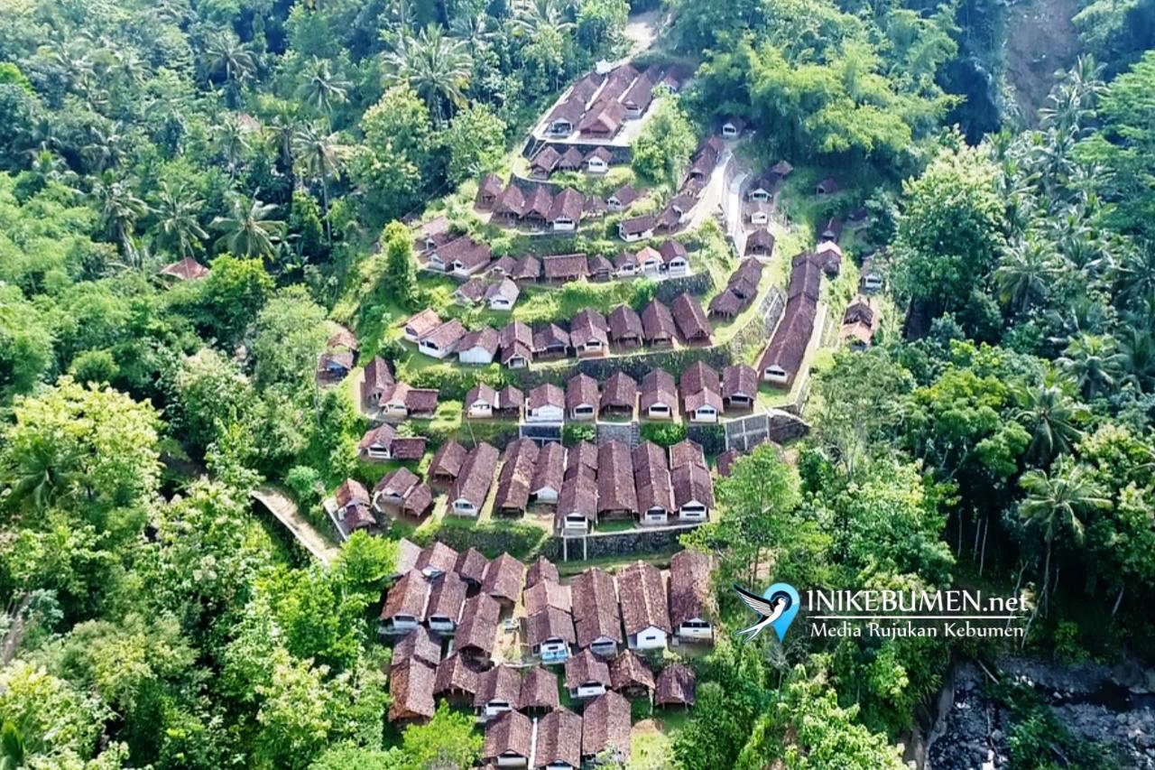 Inilah Makam Kuwu Watulawang, Makam Unik yang Mirip Punden Berundak