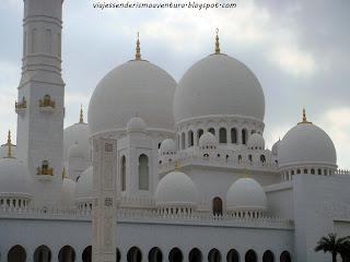 Exterior de la Mezquita Sheikh Zayed o Gran Mezquita de Abu Dhabi