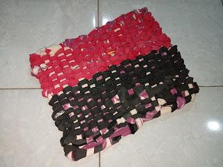 Tutorial cara membuat keset dari kaos baju kain bekas