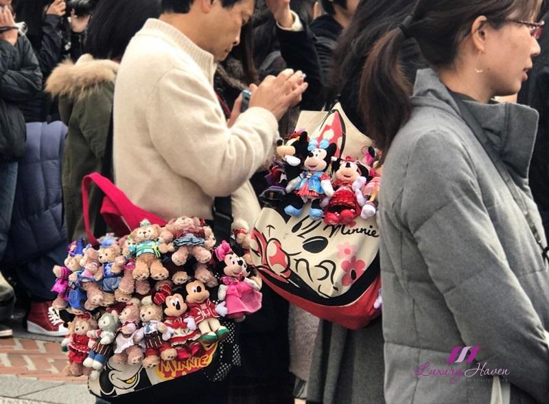 tokyo disneysea disney stuffed toys on bag