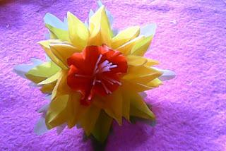 Bunga Cantik Dari Plastik Kresek Bekas