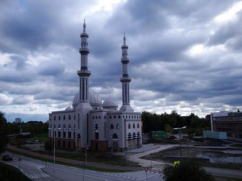 Muslim Indonesia Bangun Masjid Terbesar di Belanda