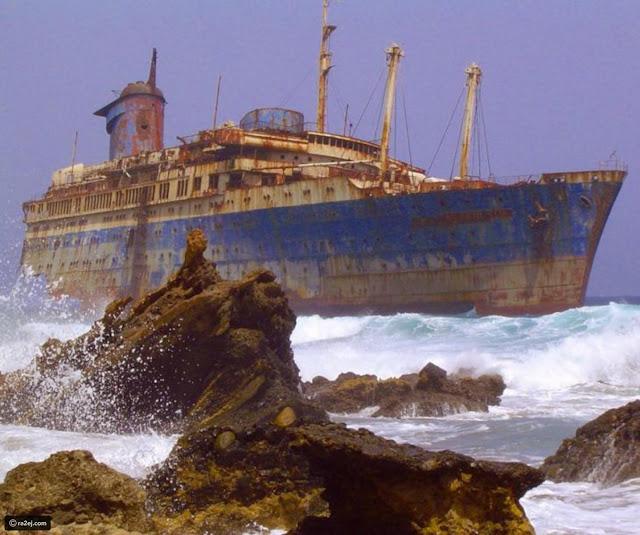 سفينة مهجورة بالقرب من فويرتيفنتورا، جزر الكناريا