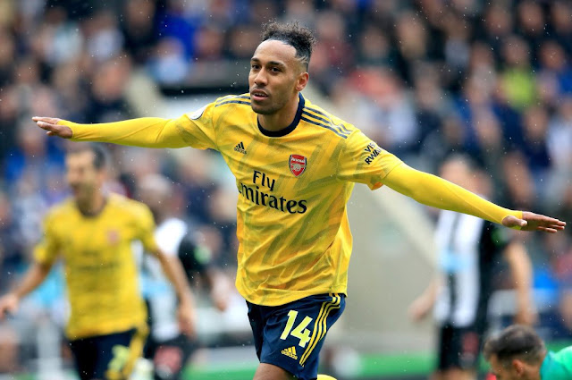 Aubameyang celebrates scoring Arsenal's first goal away at Newcastle