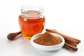 Honey and cinnamon for wrinkles