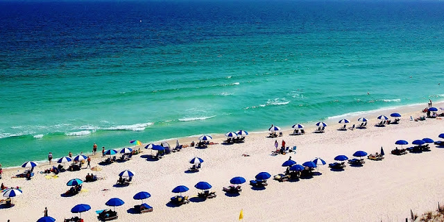 Green and Blue Water Gradation at Pensacola Beach Fl