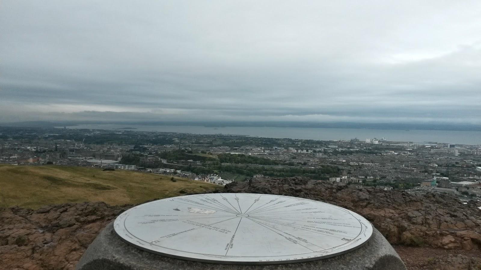 edinburgh scotland iskoçya arthurs seat holyrood park britanya