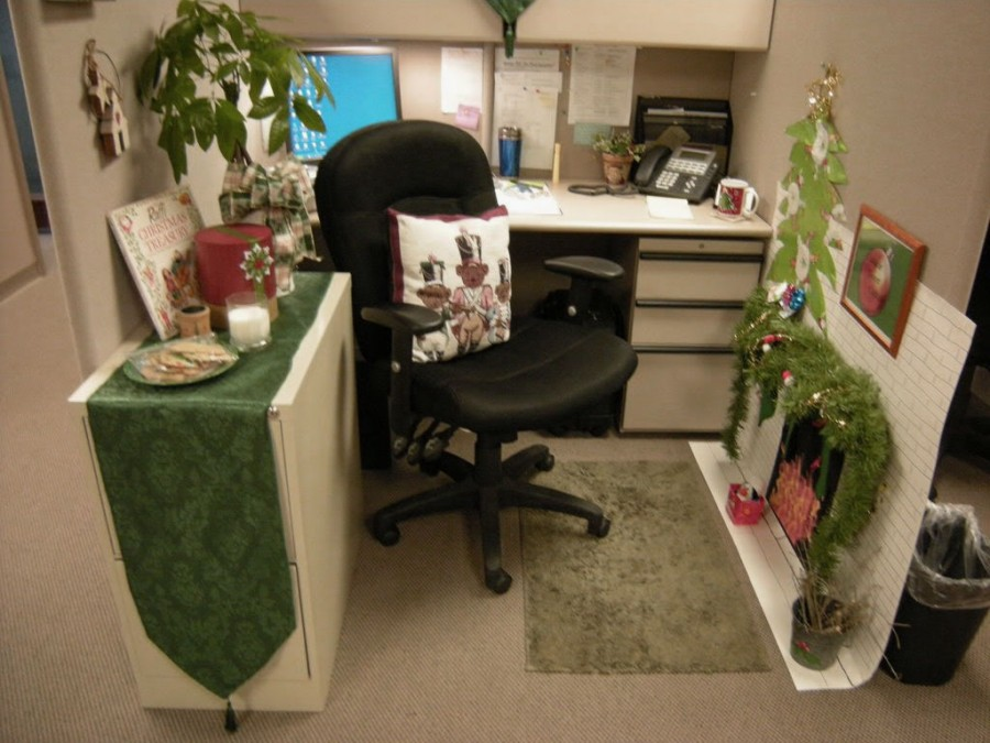Fantastic Office Cubicle Decoration Plus Green Dressing Table Also  Rectangle Rug And Decorative Indoor Plant