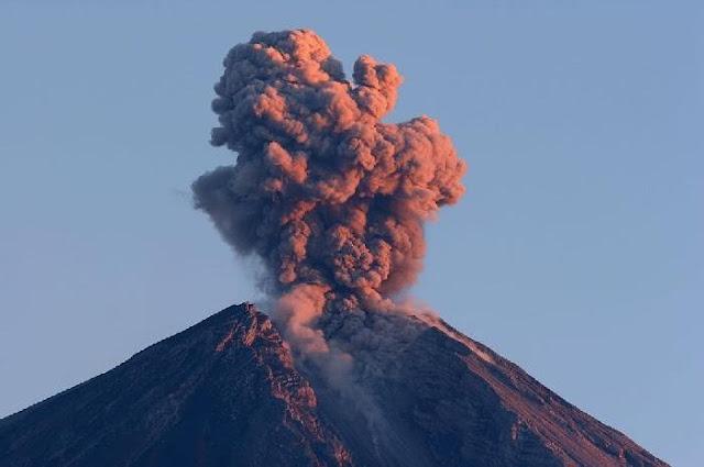 Gunung Merapi Kembali Meletus dengan Awan Panas Setinggi 5.000 Meter