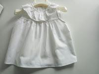 blusa blanca de niña