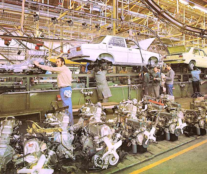 1972 car factory, Datsun assembly line photograph