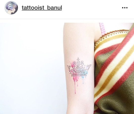 32 Best Crown Tattoo Designs & Meanings