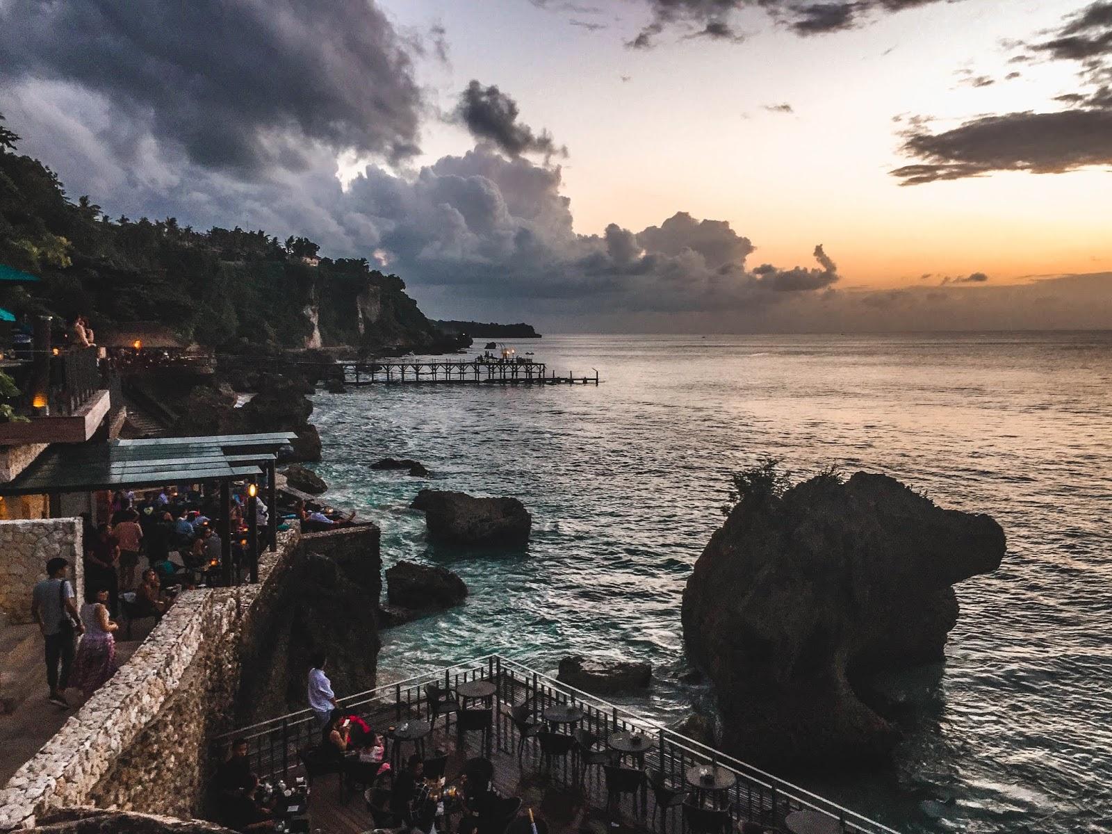 AYANA Resort & Spa Rock Bar