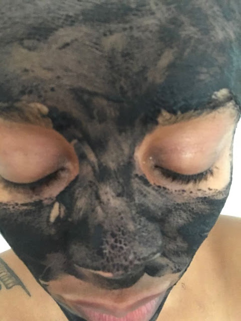 DIY Clay and Charcoal Mask dried - www.modenmakeup.com