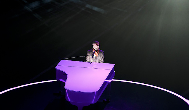 Justin Timberlake avoids controversy (and holograms), honors Prince at Super Bowl