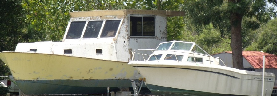 Embarcaciones junto al Peace River