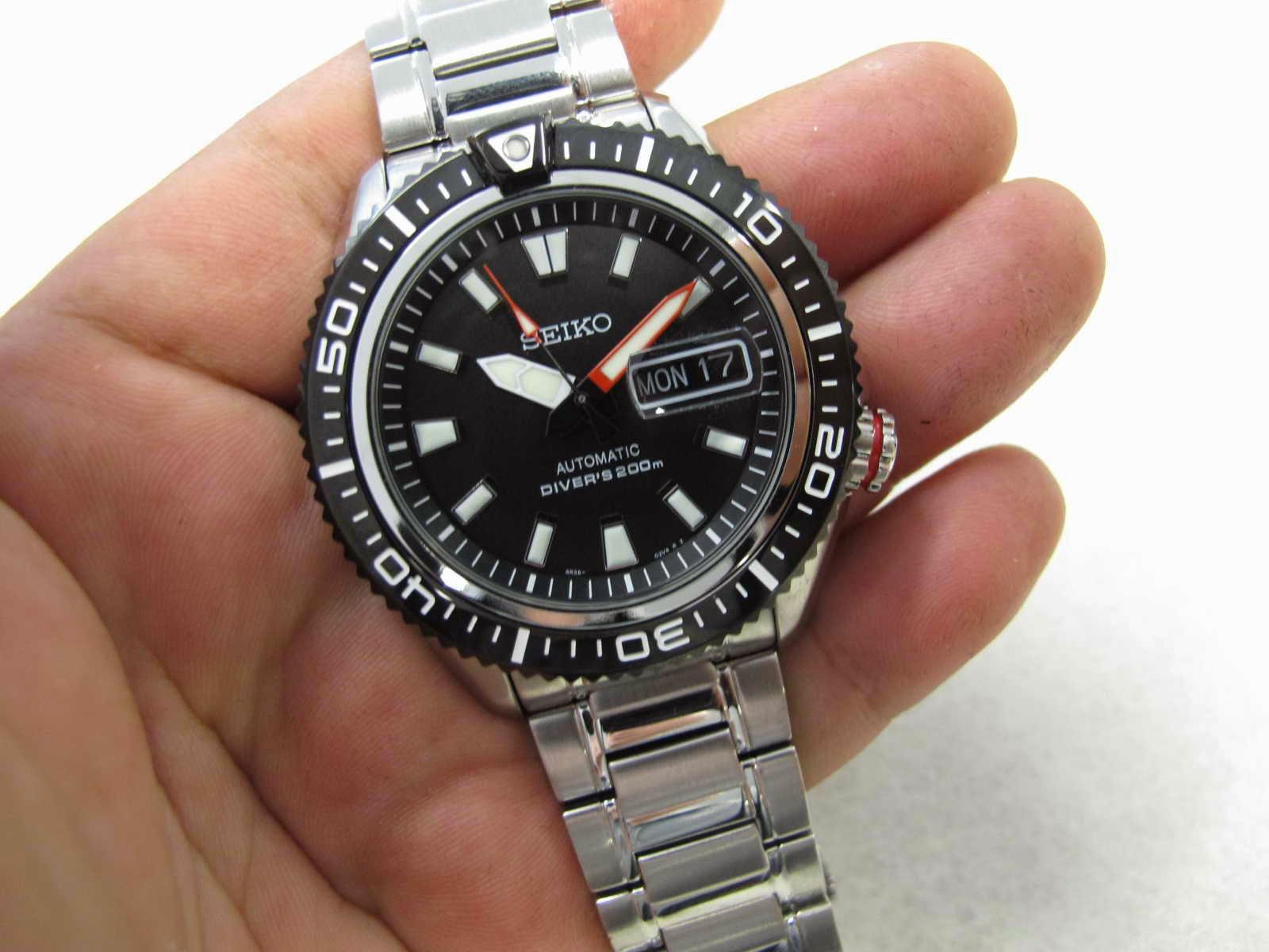 Lebar lug 22 mm..... Kondisi Seiko Diver ini Brand New Watch..... lengkap  dengan box.. manual dan warranty card.... Bila Anda menginginkan perpaduan  Seiko ... b06b6d1b7b