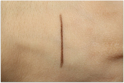 "Honest Beauty Brow Filler in ""Rich Brunette"" Swatch"