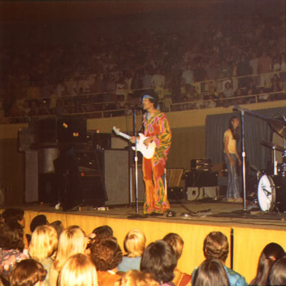 Jimi Hendrix In Concert: Honolulu International Center ...
