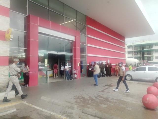Supermercados y tiendas prácticamente han abandonado medidas contra el Covid-19; Ikea y SpriceSmart siguen como el primer día