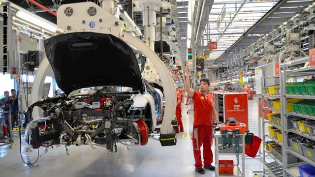 فيراري توقف الإنتاج في بعض مصانعها بإيطاليا بسبب فيروس كورونا