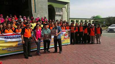 Polresta Pekanbaru Bersihkan 71 Mesjid di Kota Pekanbaru Dalam Waktu Bersamaan.