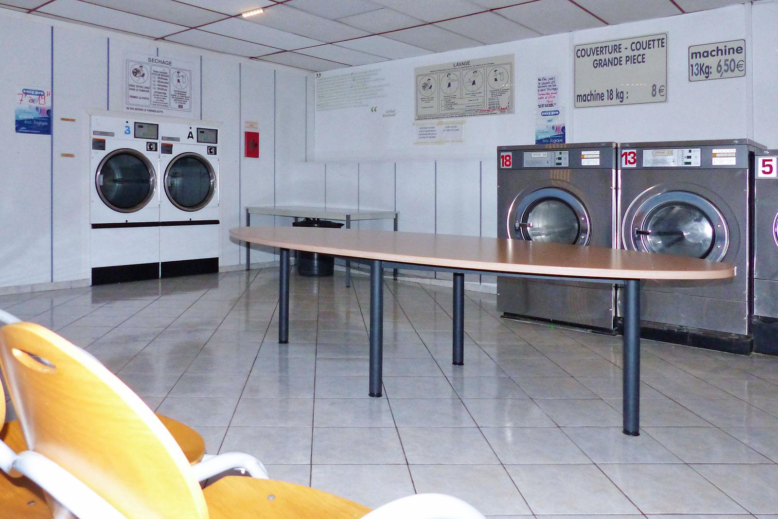 Laverie Automatique Croix-Rouge Tourcoing - Machines