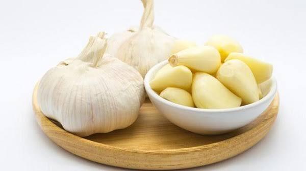 bawang putih menghilangkan jerawat