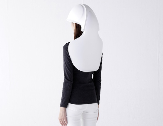 The Mamoris Earthquake Helmet Chair