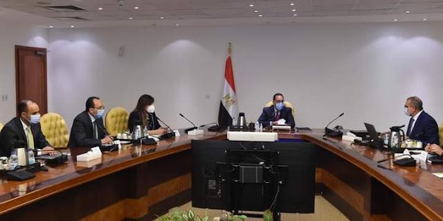 رئيس الوزراء يتابع تنفيذ تكليفات الرئيس بإنشاء مشروع سكني بالمحافظات