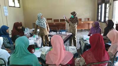 Pemdes Girigondo, Adakan Kegiatan Peningkatan Kader Posyandu dan Pospindu di Balai Desa Girigondo.