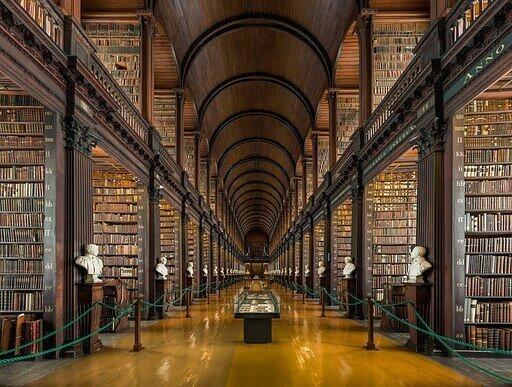 LIBRARY OF TRINITY COLLEGE DUBLIN, BIBLIOTECA DEL TRINITY COLLEGE