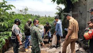 Satgas Citarum Sektor 7 Dampingi DLH Kab. Bandung Buka Police Line Dan Pengangkatan Sludge CV. RC. Washing
