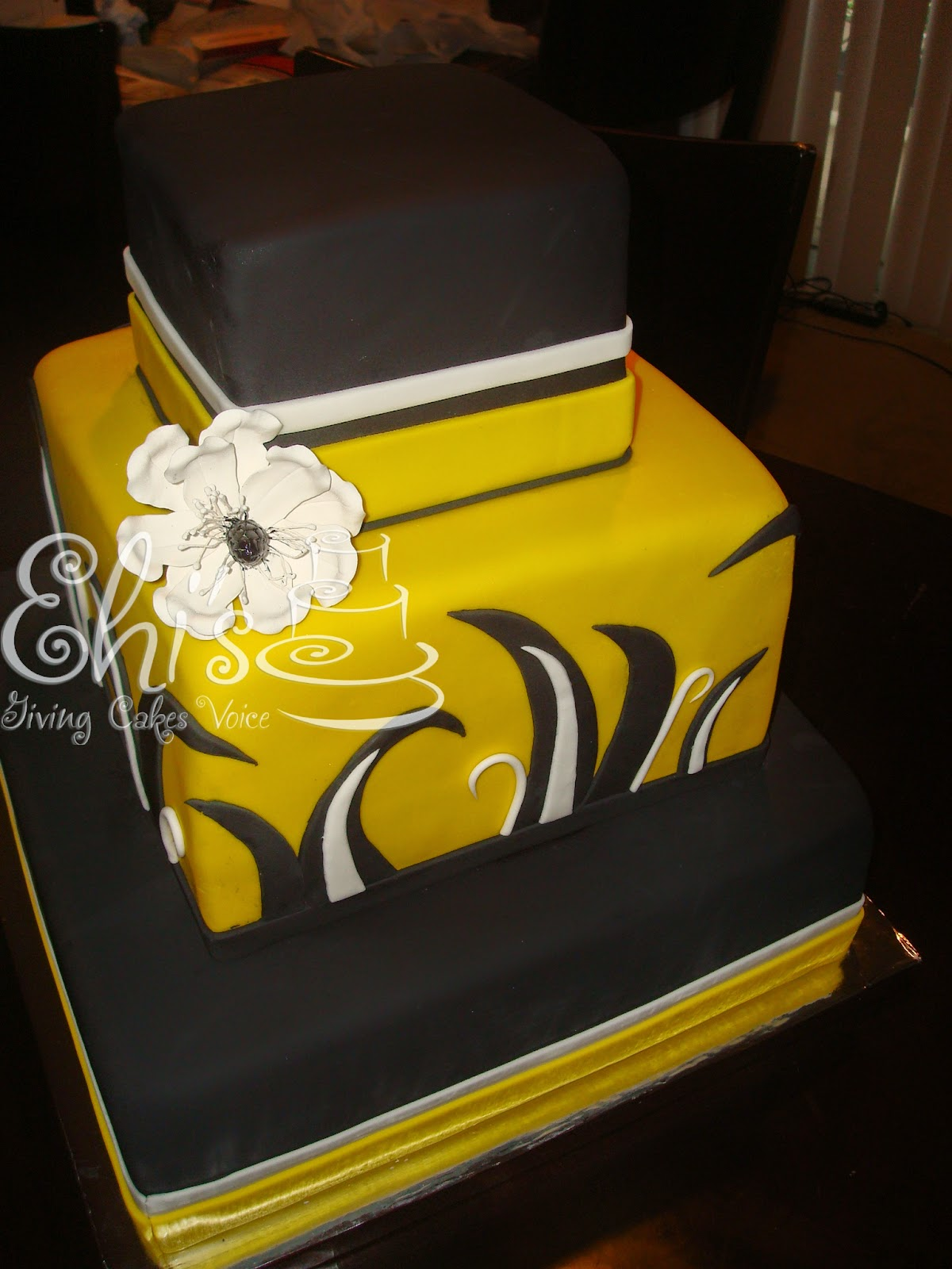 Stage Cakes Look
