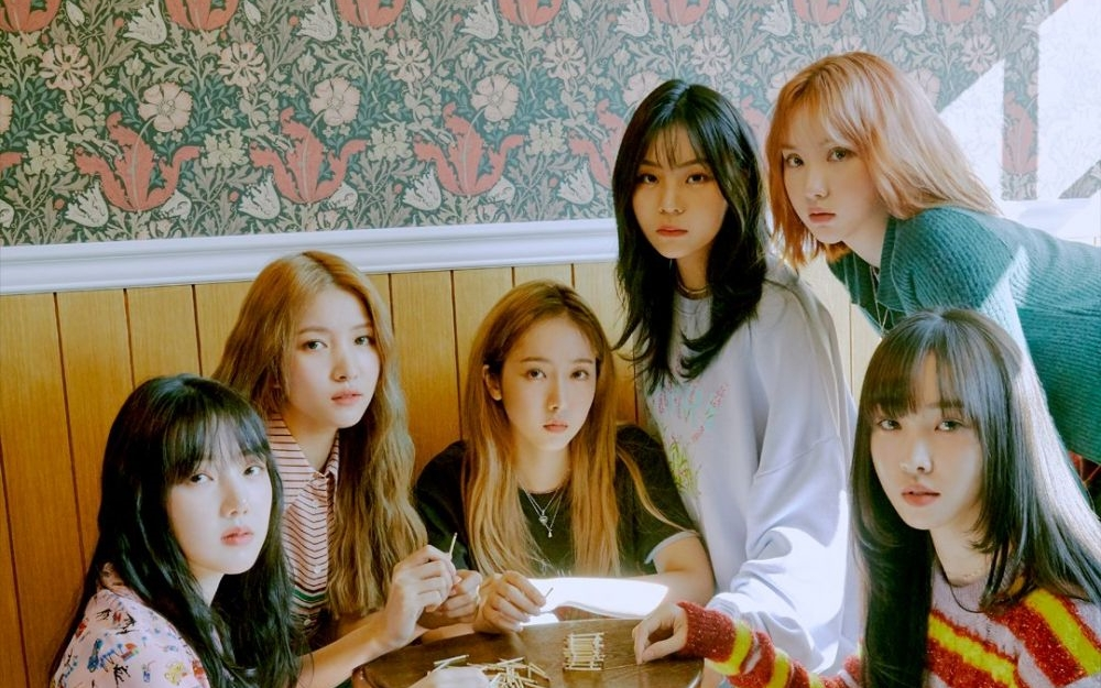 GFRIEND Breaks Their Album Sales Record with '回: LABYRINTH'