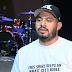 """Homem vende camisetas para comprar Bíblias a presidiários: """"Eu sei o que é não ter uma"""""""