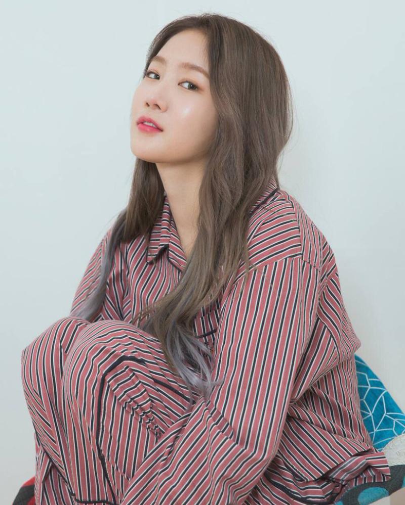Soyou artis korea selatan sudah operasi pelastik