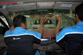 Kapan Saatnya Ganti Kaca Film Mobil Minta Ganti yang Baru