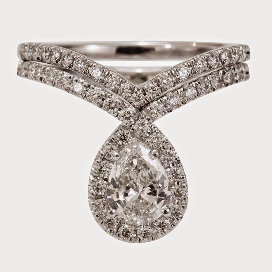 Bliss Ring Pear Shaped Diamond Engagement Wedding Rings Set