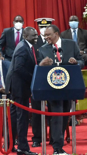 President Uhuru Kenyatta with DP William ruto at Bomas