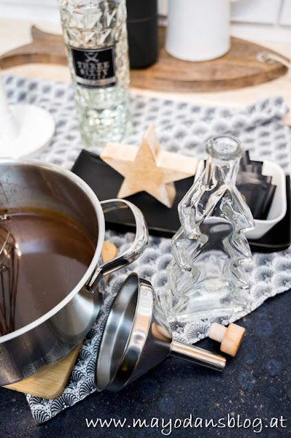 Zubereitung After-Eight-Likör zum Verschenken