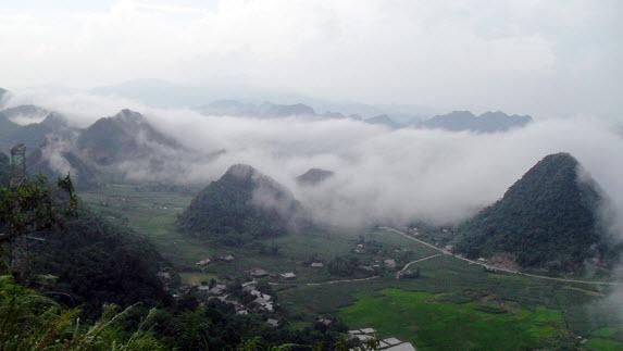 Khu du lịch Lũng Vân